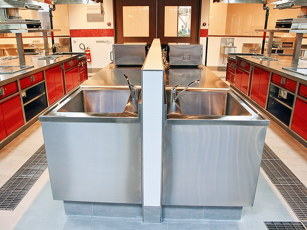 2014 Stainless Steel ACI Kitchen 4